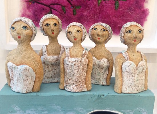 ceramic-ladies-swimming
